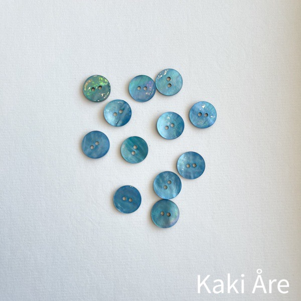 Knapp pärlemor 16mm turkosblå
