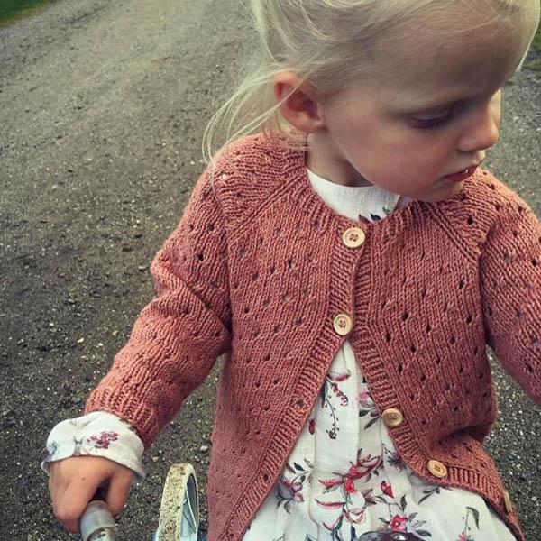 PetiteKnit Mönster Annas Sommarcardigan barn