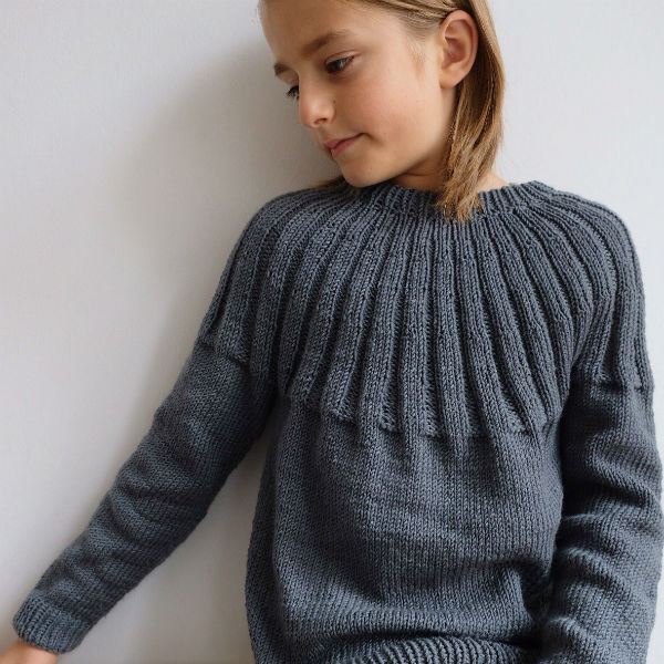 PetiteKnit Mönster Haralds Sweater Junior