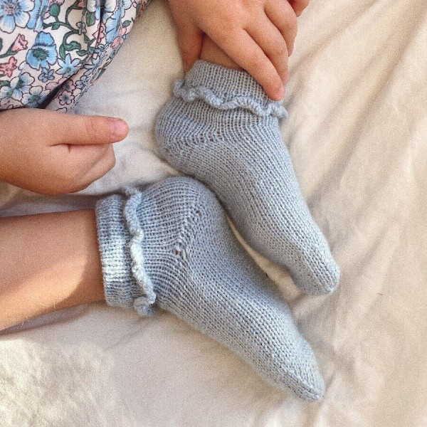 PetiteKnit Mönster Ruffle Socks Junior